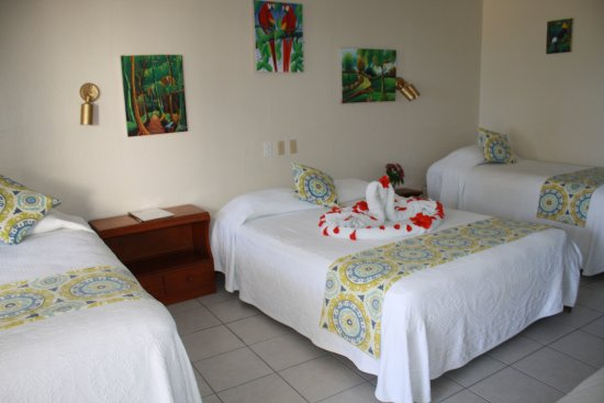 Holiday Hotel: Rooms