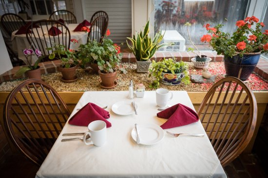 Grafton, VT: The Garden Room where breakfast is served daily.