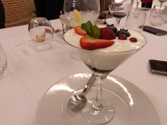 Roa, Spain: Sorbete de yogur
