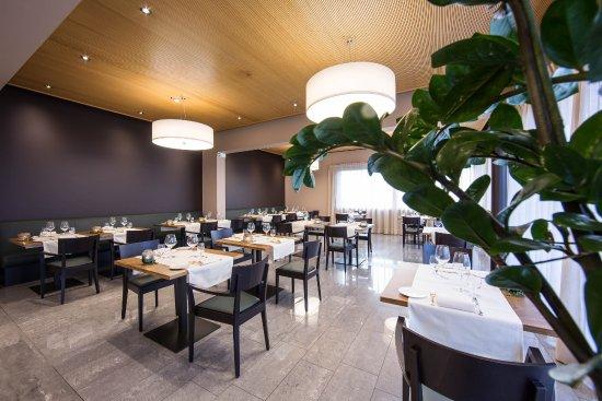 Design Per Ristoranti : Star sedie di design impilabili per bar e ristoranti tonon
