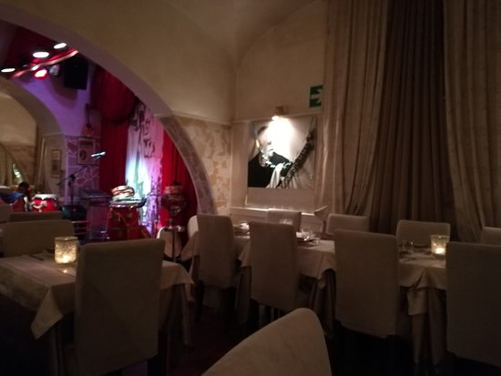 Napul'è Ristorante - Pizzeria : la sala