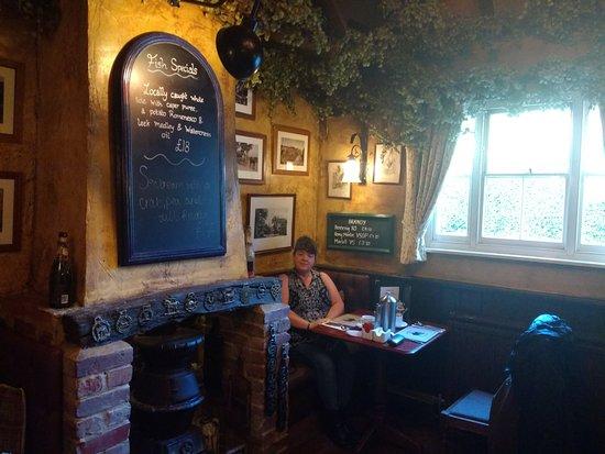 Thurnham, UK: Cosy breakfast