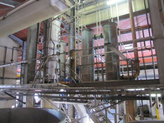 Capesterre, Guadeloupe: La colonne de distillation