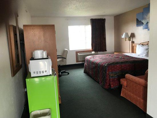 Tulare, Kaliforniya: Entryway of suite..