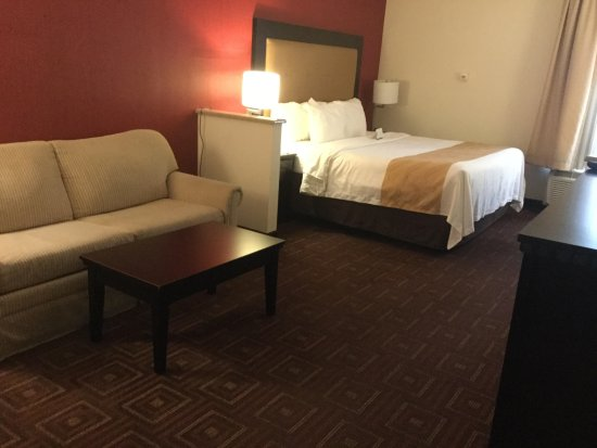 Morrisville, PA: Single King Suite