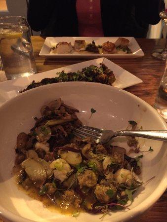 Cranford, نيو جيرسي: front to back: Txistorra, Sprouts, Barnegat Bay Scallops