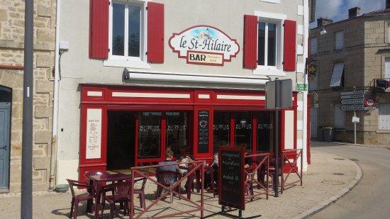 Saint Hilaire des Loges, France: Bar Le St-Hilaire à St-Hilaire des Loges