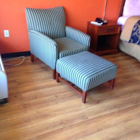 Americas Best Value Inn: Sitting Area