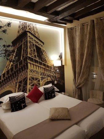 Hotel Ascot Opera Photo
