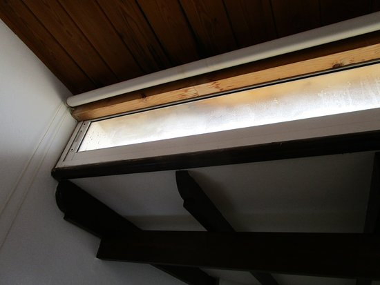 Playa Honda, Spain: Filthy homemade roof light