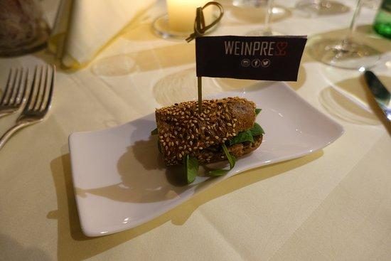 Gruß aus der Küche - Pulled Beef Burger - Picture of Weinpress ...
