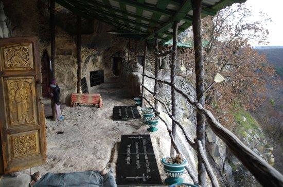 Shuldan Cave Monastery : Монастырь Шулдан