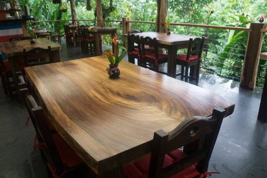 Casitas Tenorio B&B: This is the lovely open air breakfast room.