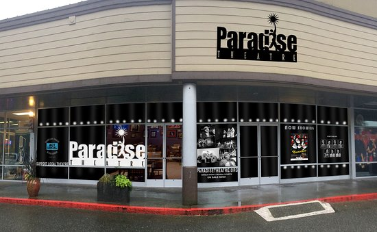 Paradise Theatre: Free Parking in front of theatre.