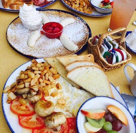 De Dutch Pannekoek House Restaurants