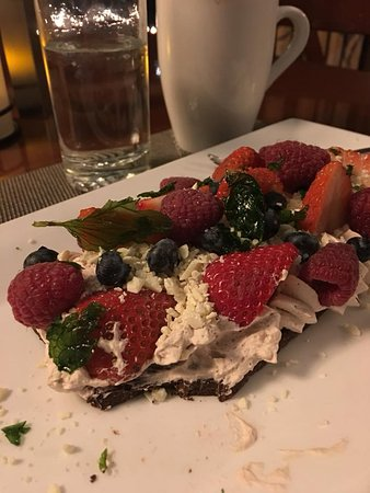 Fontana, WI: Berries and Chocolate dessert