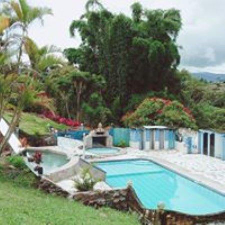 Nanegalito, Ecuador: HOSTERÍA ATUCSARA