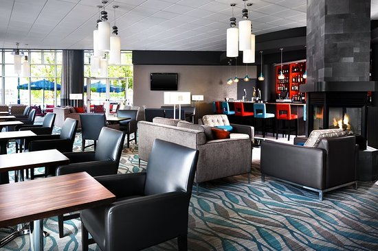 Four Points by Sheraton London: Bar/Lounge