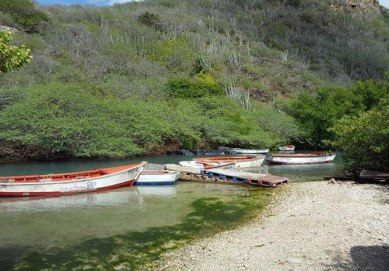 Fishing village picture of playa santa cruz willemstad for Santa cruz fishing spots