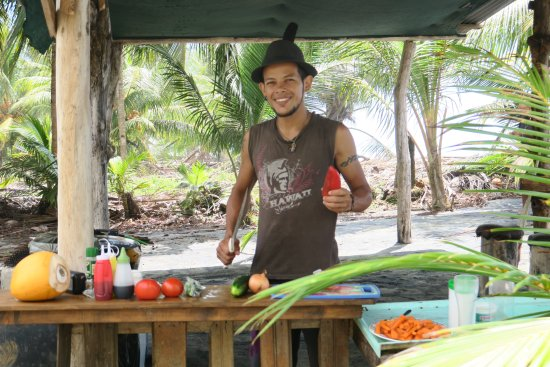 El Castillo Hotel: Our Garza guide and chef - a joy to be with!