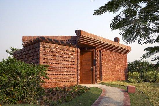 Sohna, India: Exterior
