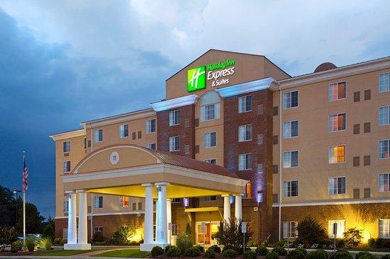 Holiday Inn Express Petersburg-Fort Lee