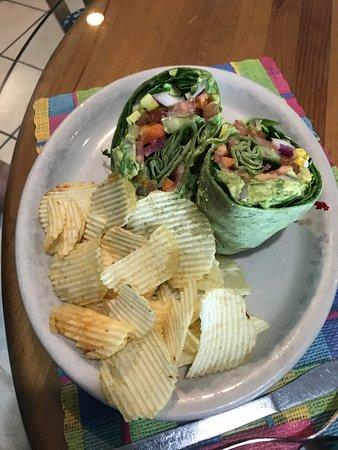 Yummies Bistro: Veggie Wrap