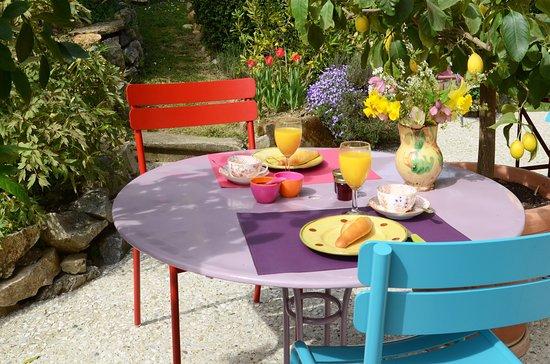 Chez l'Antiquaire : petit-déjeuner en terrasse