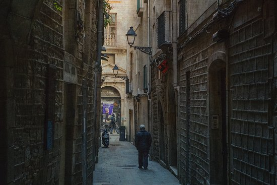 Barcelona Photowalk: Barcelona Street in Gotico
