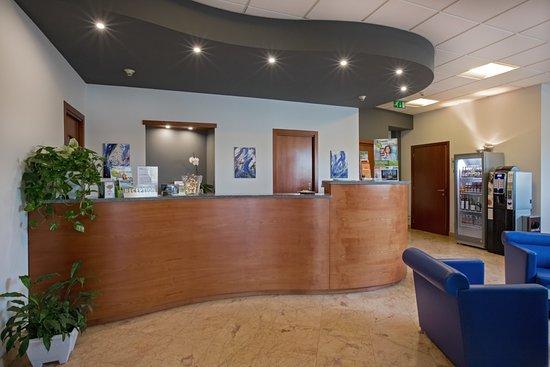 Medea Hotel : Reception Hotel Medea Alba