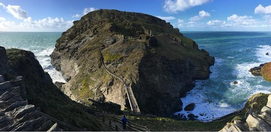 Tintagel Castle: view from the top of the entrance to the castle