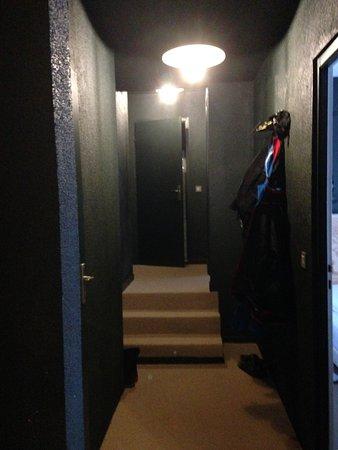 couloir de l\'appartement - Photo de Ho36 Ménuires, Les Menuires ...