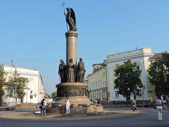 Памятник в бресте цена улице советской памятников срок изготовление lv