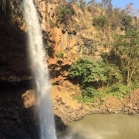Phu Cuong Waterfall: photo5.jpg