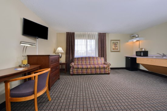 Geneseo, إلينوي: One King Bed Suite