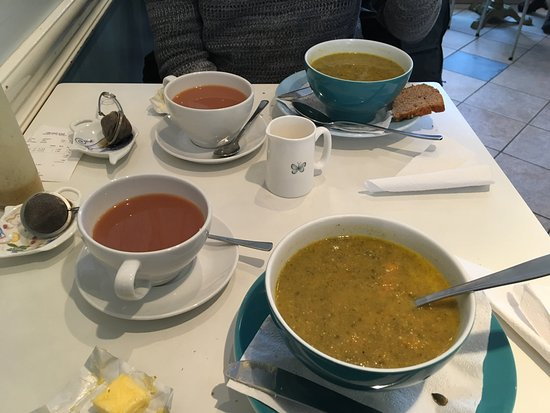 Cafe Gardurinn: Carrot and spinach soup with a cuppa