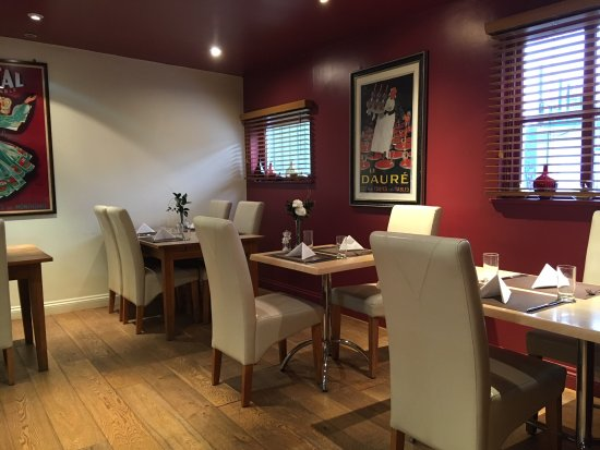 Feering, UK: Open Mon-Fri lunch & dinner, 12pm - 3pm & 6.30pm - 8.30pm and 10.30am - 3pm at weekends