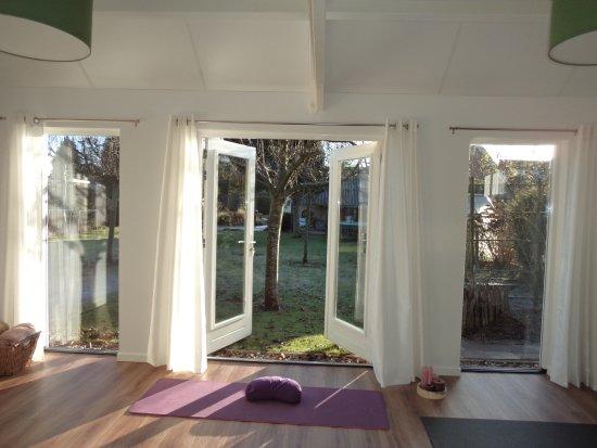 Rheden, The Netherlands: yogastudio; heerlijk met de klapdeuren open