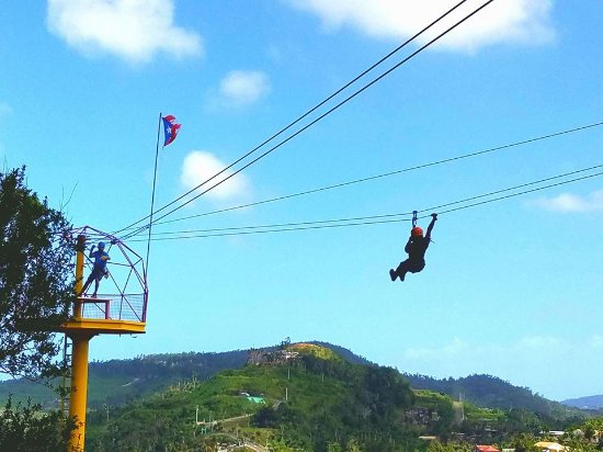 Rio Grande, Portorico: You will enjoy amazing views in Rain Forest Zip Line