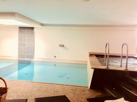 Bio Hotel Brusago Vital & Wellness : piscina e idromassaggio