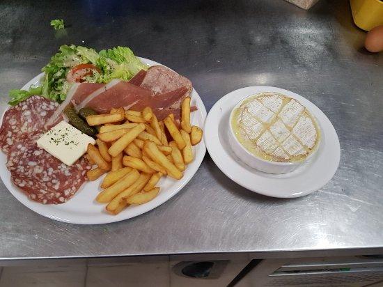 Ronno, France : Un petit aperçu des plats