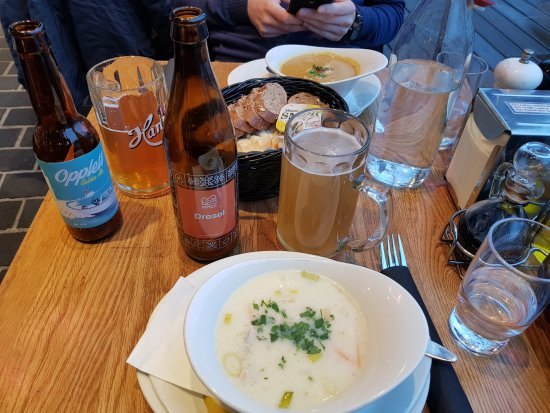 Fish Me: fish soup accompanied with local beer