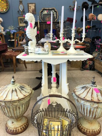 Mixie's Antiques & Collectibles Mall: painted furniture