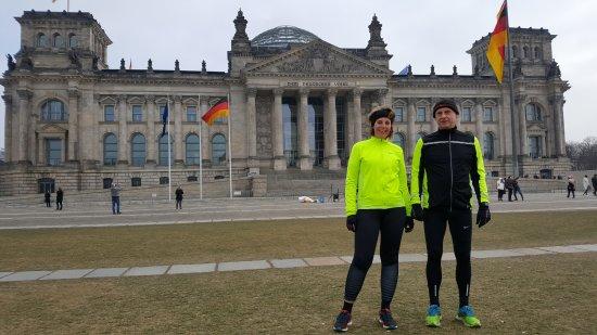 Mike's SightRunning Berlin: Voor het Rijksdaggebouw (Bundestag).