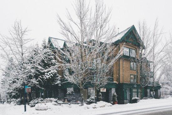 Pinnacle Hotel Whistler