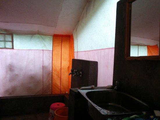 Sangla, India: Bathroom in the tent..