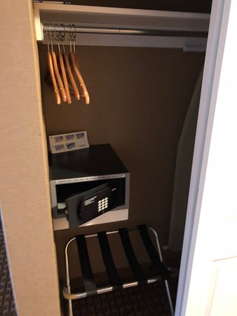 Excalibur Hotel U0026 Casino: Safe Inside Closet