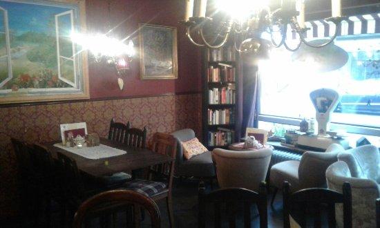 Hinein In Die Gute Stube Jetzt Wirds Gemütlich Foto Di Cafe