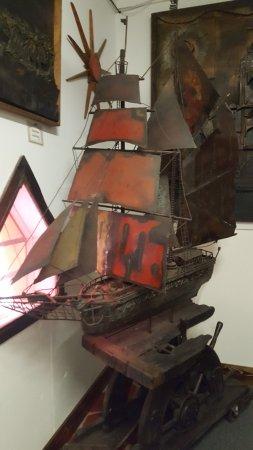 Ona, Φλόριντα: sailship made from oildrum