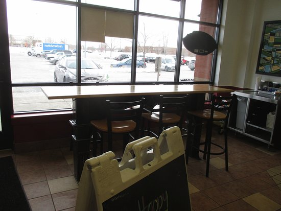 Blaine, MN: Inside seating
